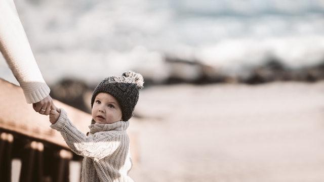 Czapki dla dzieci na drutach